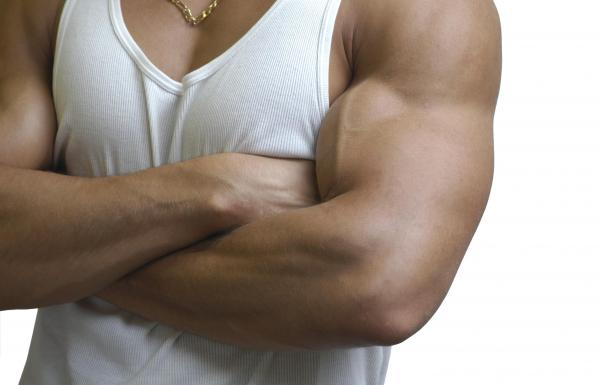 How to stay with muscular arms